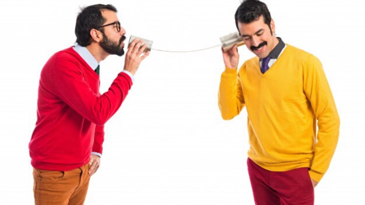 Parler pour faire du bruit ou parler pour communiquer